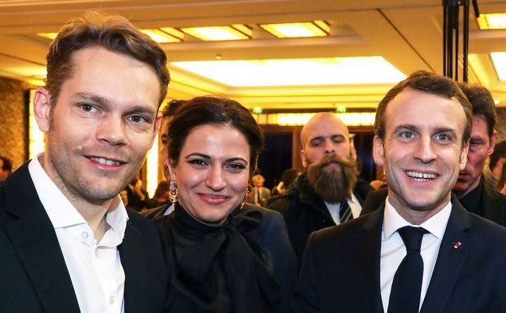 Nicolas Aznavour, son épouse et Emmanuel Macron au dîner du CCAF (5 février 2019)  (Ludovic Marin / AP / Sipa)