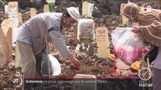 Des tombes en Indonésie. (France 2)