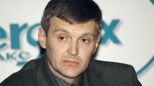 L'ancien agent du FSB AlexandreLitvinenko lors d'une conférence de presse à Moscou en novembre 1998. (REUTERS)