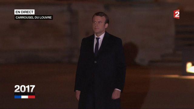 Emmanuel Macron prend la parole devant ses partisans
