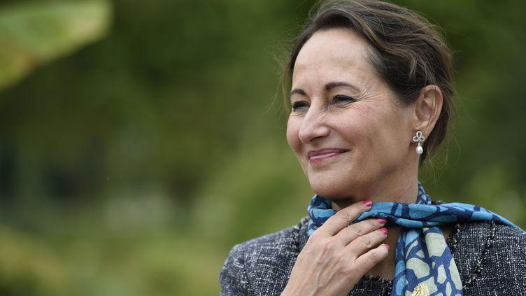 La ministrede l'Ecologie, du Développement durable et de l'Energie, Ségolène Royal, lors de la 8e édition de la Fête de la nature, à Paris, le 20 mai 2014. (ERIC FEFERBERG / AFP)