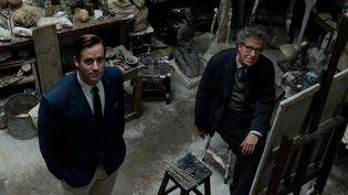 "Armie Hammer et Geoffrey Rush dans ""Alberto Giacometti, The Final Portrait""  (Bodega Films)"