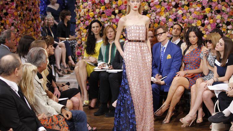 Le défilé haute couture DiorAutomne-Hiver 2012-2013, le 2 juillet 2012 à Paris. (BENOIT TESSIER / REUTERS)