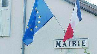 Une Parisienne qui passait ses vacances à Santranges, un village du Cher, a légué 100 000 € à la commune à sa mort. (France 3)