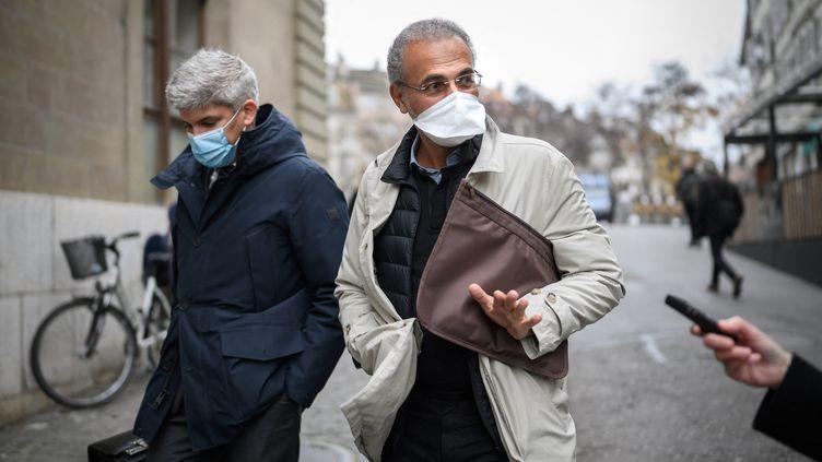 Tariq Ramadan à Genève (Suisse), le 10 novembre 2020. (FABRICE COFFRINI / AFP)