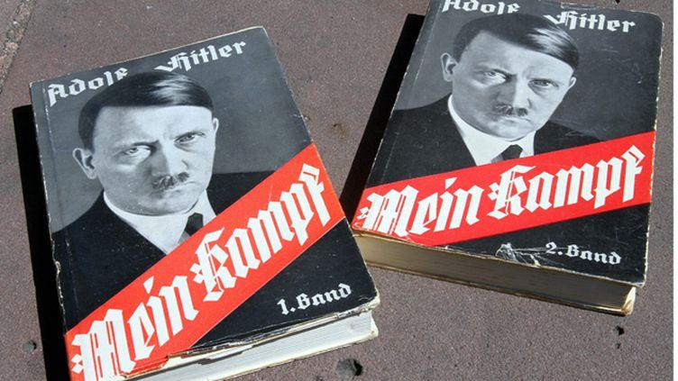 (Mein Kampf pourra être réimprimé le 1er janvier prochain en Allemagne, 70 ans après sa parution © MAXPPP)