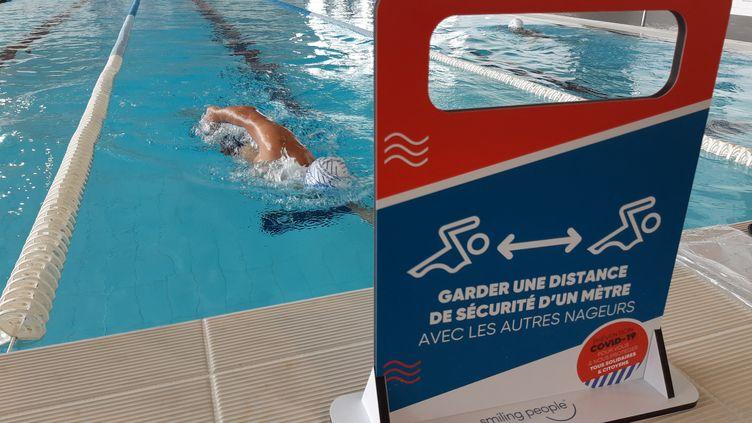 Le centre aquatique d'Argences (Normandie) a rouvert ses portes en appliquant les mesures de distanciation, le 15 juin 2020. (OLIVIER DUC / RADIO FRANCE)