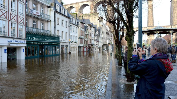 La ville de Morlaix (Fnistère) a été en partie inondée à la suite du passage de la tempête Dirk - el 24 décembre 2013 (MAXPPP)