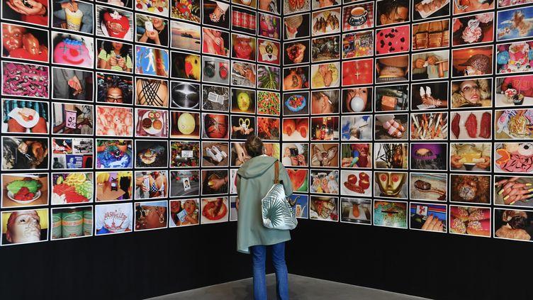 """L'exposition """"Parrathon"""" du photographe Martin Parr au Frac Bretagne à Rennes, la série """"Common Sense"""", 13 juin 2020 (THOMAS BR?GARDIS / PHOTOPQR / OUEST FRANCE / MAXPPP)"""