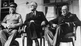 Staline,Rooseveltet Churchilllors de la conférence de Téhéran (Iran), première rencontre des trois grands alliés de la Seconde guerre mondiale, le 28 novembre 1943. ( AFP )