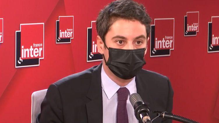 Gabriel Attal, secrétaire d'État auprès du Premier ministre, porte-parole du gouvernement, invité de France Inter. (FRANCEINTER / RADIOFRANCE)