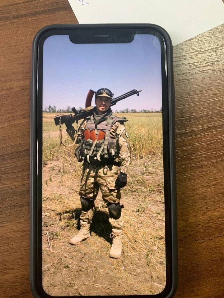"""A photo of a Ukrainian soldier in Azov who some believe would be Roman Protassevich.  (Telegram channel """"Yellow Plums"""")"""