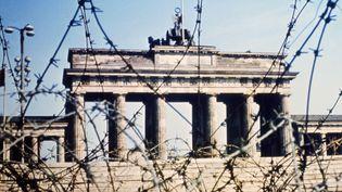 La porte de Brandebourg à Berlin (Allemagne), en juin 1968. (AFP)