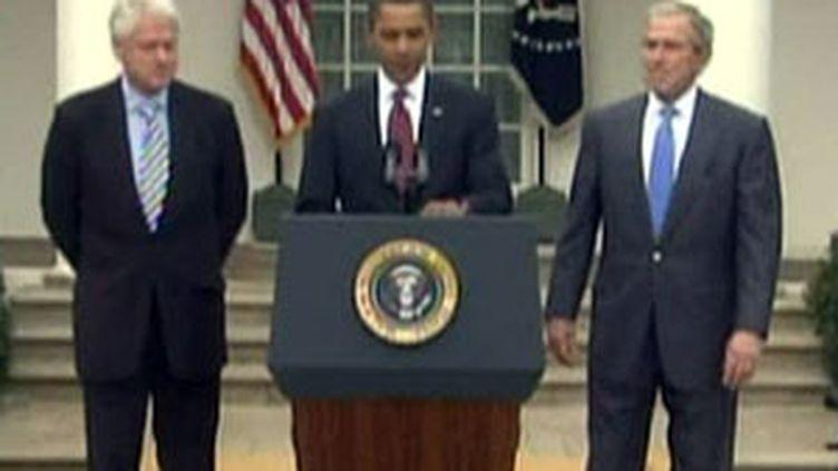 Barack Obama a chargé ses prédécesseurs Bill Clinton et George W.Bush de la collecte des fonds pour Haïti. (France 2)