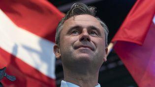 Norbert Hofer, candidat d'extrême droite à l'élection présidentielle autrichienne, lors d'un meeting à Vienne, le 20 mai 2016. (JOE KLAMAR / AFP)