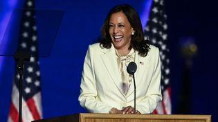 La vice-présidente élue Kamala Harris prononcesondiscours de victoire à Wilmington, dans le Delaware, le 7 novembre 2020. (JIM WATSON / AFP)