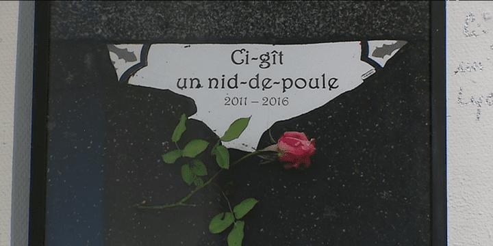 Oeuvre exposée à la taverne Gutenberg  (France 3/ Culturebox)