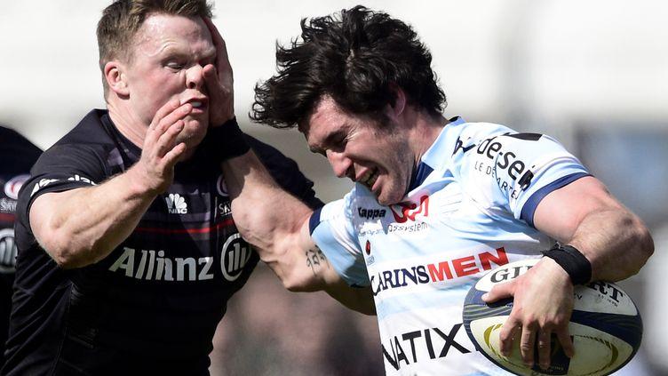 Maxime Machenaud tente de raffuter Chris Ashton lors du quart de finale en 2015 (FRANCK FIFE / AFP)