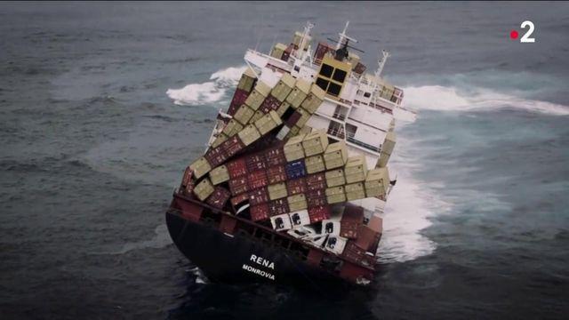 Transports maritimes : le scandale des conteneurs au fond des océans