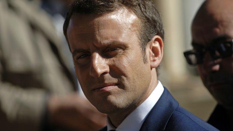 Emmanuel Macron, candidat à l'élection présidentielle en France, en déplacement à Alger, le 14 février2017. (STRINGER / AFP)