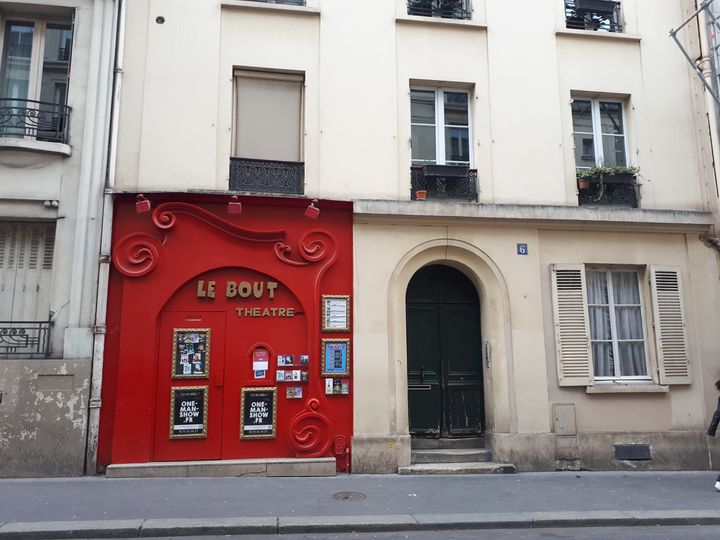 Le Théâtre Le Bout à Paris, minuscule salle de 50 places. (ANNE BRUNEL / RADIO FRANCE)