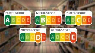 Les vignettes Nutri-Score classent les aliments en cinq catégories. (FRANCEINFO)