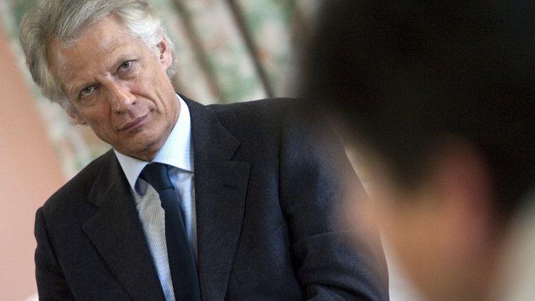 L'ancien Premier ministre Dominique de Villepin, lors d'un meeting à Nantes (Loire-Atlantique), le 28 février 2012. (JEAN-FRANÇOIS MONIER / AFP)