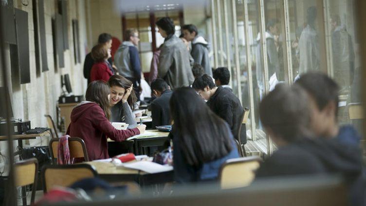 (Lycée Condorcet à Paris © MaxPPP)
