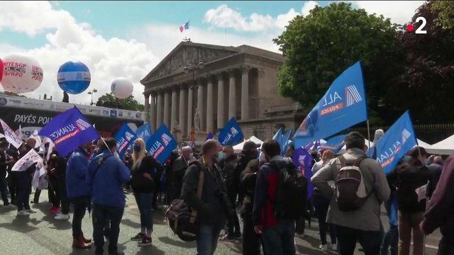 Police : la manifestation de la colère, dans les rues de Paris