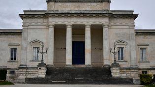 La cour d'assises de Charente-Maritime, à Saintes, où Joël Le Scouarnec est jugé du 13 au 17 mars 2020. (GEORGES GOBET / AFP)
