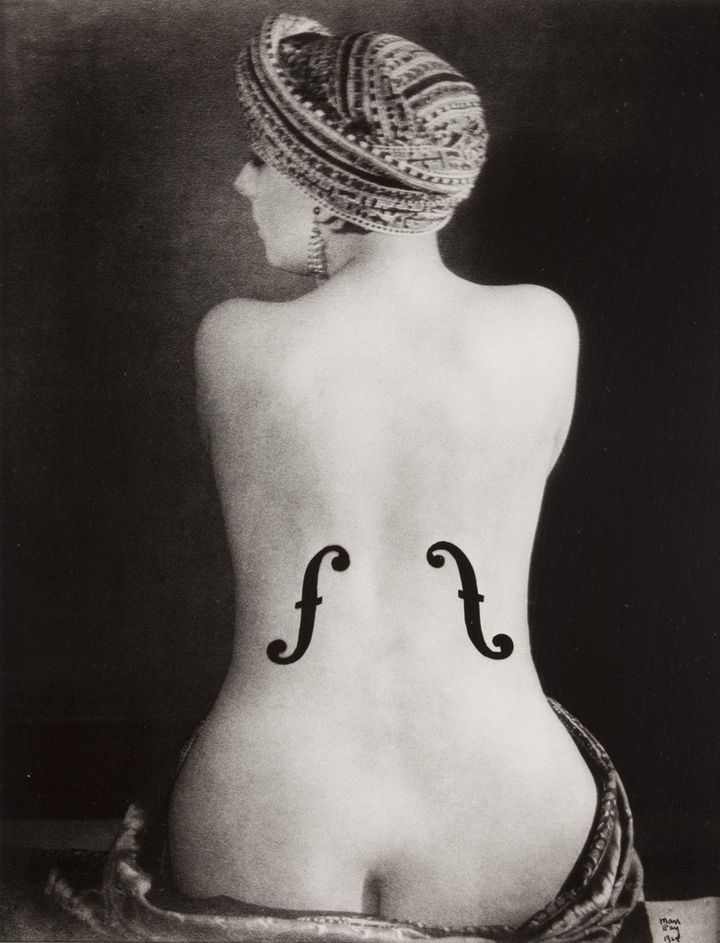 Man Ray. Le Violon d'Ingres, 1924, épreuve aux sels d'argent, tirage postérieur. Collection privée (© courtesy Association Internationale Man Ray  Adagp, Paris, photo Marc Doma)