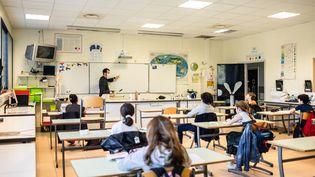 Une classe de sixième au collège François-Mitterrand dans le village de Toulouges (Pyrénées-Orientales), le 18 mai 2020. (JC MILHET / HANS LUCAS / AFP)