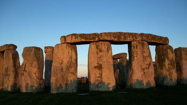 Le site préhistorique de Stonehenge, dans le sud de l'Angleterre  (Andrew Cowie / AFP)