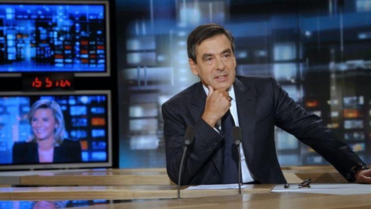 François Fillon sur TF1 le 10 septembre 2009 (© AFP/PATRICK KOVARIK)