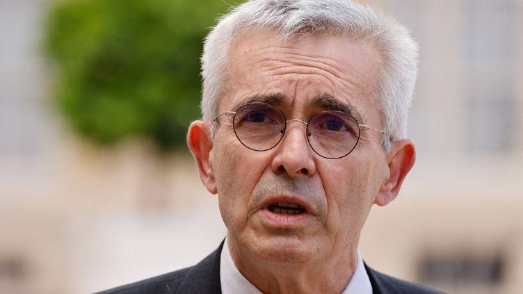 """Le secrétaire général de Force Ouvrière, Yves Veyrier, estime que le """"coup de boost"""" de la campagne de vaccination cet été""""va sûrement limiter les situations compliquées"""". (LUDOVIC MARIN / AFP)"""