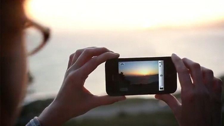 Les smartphones sont maintenant équipés d'appareils photo permettant de faire des clichés de qualité correcte (Twitter)