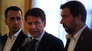 Le président du Conseil Giuseppe Conte lors d'une conférence de presse, le 15 avril 2018 à Gênes. (STEFANO RELLANDINI / REUTERS)
