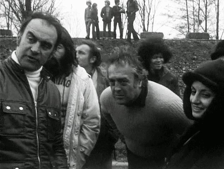 Rémy Julienne et Georges Lautner juste après une scène de cascade à Montargis  (Capture d'écran / France 3)