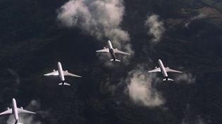 Comme les oiseaux migrateurs, Airbus songe à faire voler ses avions en escadrille. Cela pourrait permettre aux avions de consommer moins de carburant et d'émettre moins de CO2. (France 2)