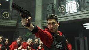 Jaime Lorente dans le rôle de Denver dans la troisième saison deLa Casa de Papel. (FR_TMDB)