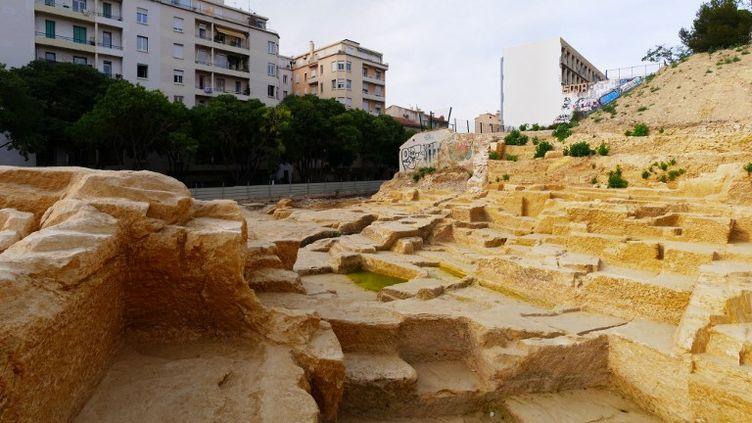 Cette carrière grecque, ici le 22 juin 2017, date du Ve siècle avant JC. Elle a été classée aux monuments historiques par le gouvernement, après la mobilisation des riverains, le 1er aout 2017. (CITIZENSIDE/HUGO LARA / CITIZENSIDE)