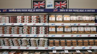 De la viande dans les rayons d'un supermarché à Chatteris (Royaume-Uni), le 19 septembre 2018. (DANIEL LEAL-OLIVAS / AFP)