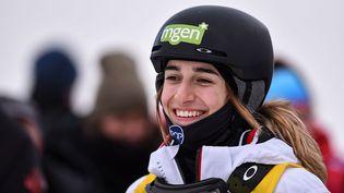 La championne olympique de ski Perrine Laffont,lors de la coupe du monde de bosses freestyle, le 1er février 2020 à Calgary (Canada). (BRETT HOLMES / ICON SPORTSWIRE / AFP)