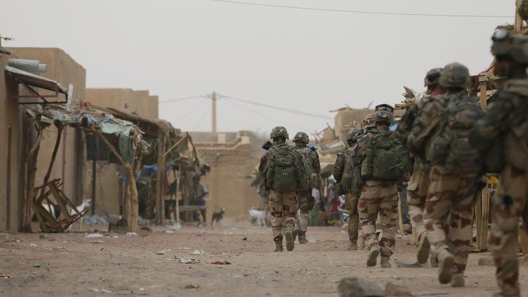 Des militaires français patrouillent à Kidal au Mali, le 27 juillet 2013. (KENZO TRIBOUILLARD / AFP)