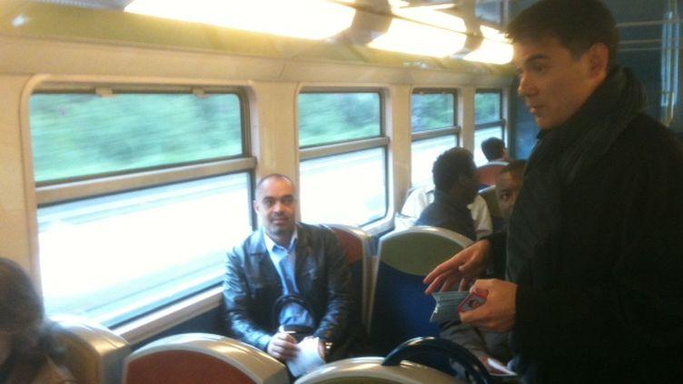 Olivier Faure (PS) appelle les électeurs à la mobilisation dans le RER D (DR)