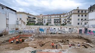 Chantiers de fouilles à Nîmes, tranche 1. Vue au sol de la première tranche du chantier (PASCAL DRUELLE / INRAP)
