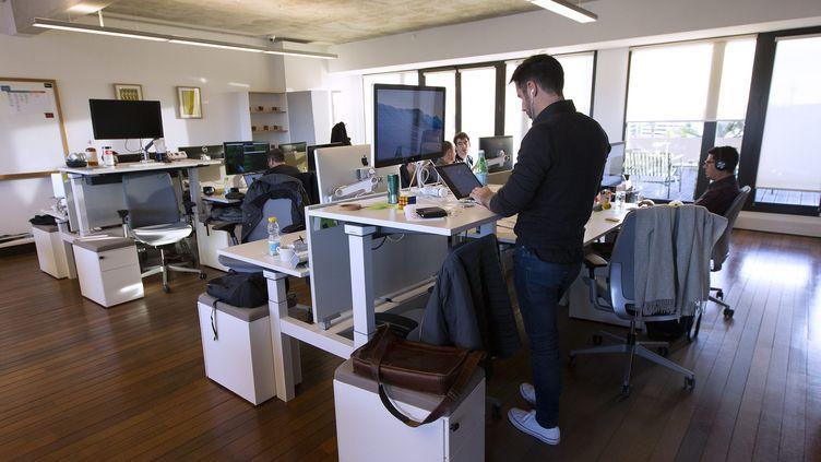Un open space dans une entreprise de Montpellier (Hérault). (MAXPPP)