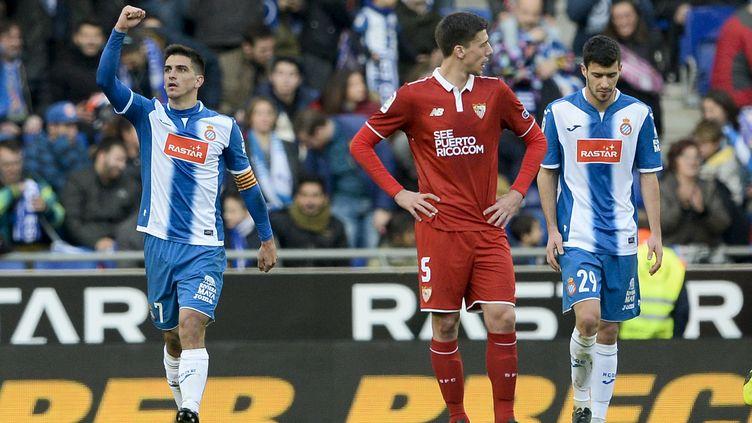 La détresse de Clément Lenglet (FC Séville) face à l'Espanyol Barcelone (JOSEP LAGO / AFP)