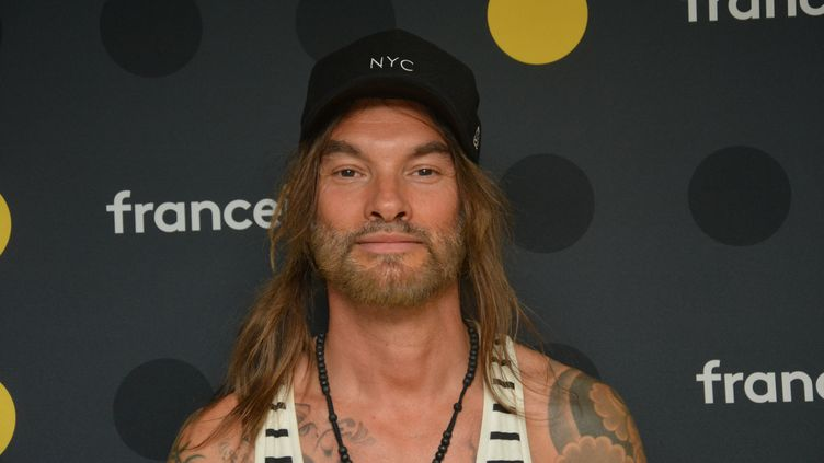 Frah (François Charon), chanteur de Shaka Ponk. (JEAN-CHRISTOPHE BOURDILLAT / RADIO FRANCE)