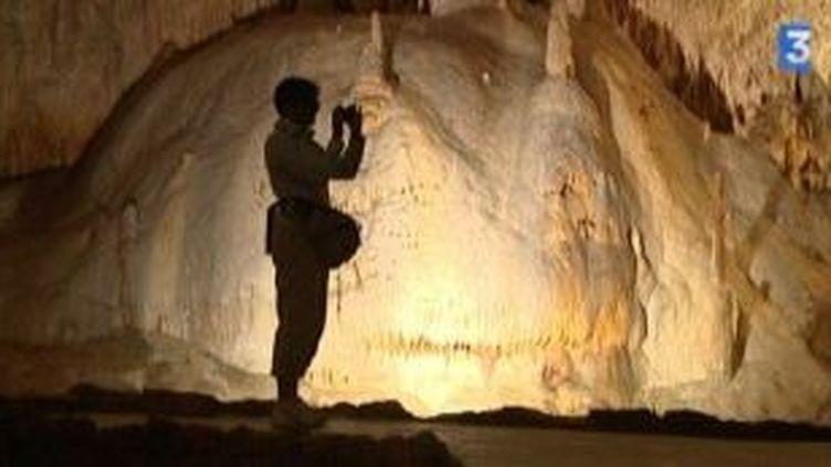 Les pierres chantent aux grottes de Choranche  (Culturebox)